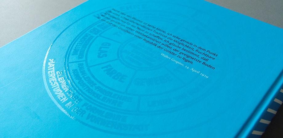 Das Bauhaus kommt aus Weimar — Der Katalog zur Ausstellung – Rückansicht