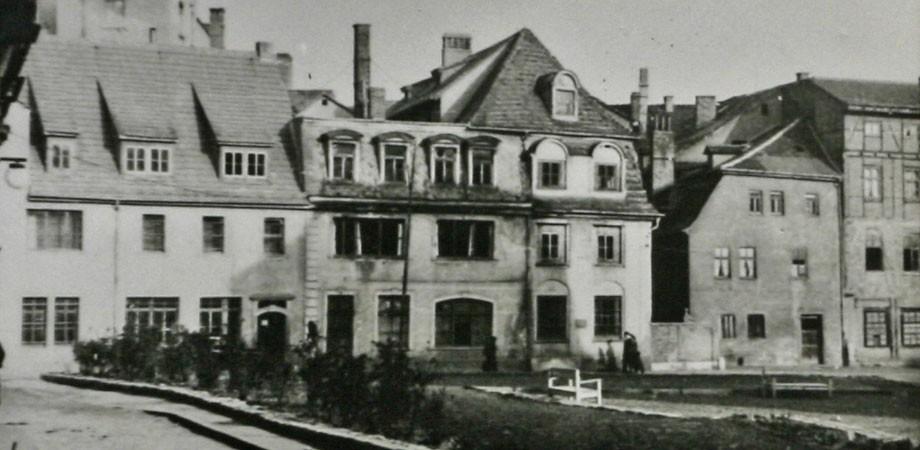 Brauhausgasse. Das Haus mit den großen Fenstern, um 1950